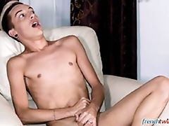 Young Wanker Fucked Like a Toy - Chris Loan and Loic Miller